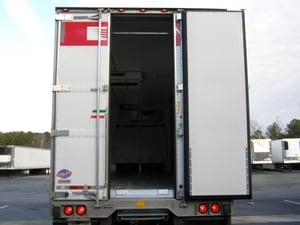 UTM-Tri Fold-Door-Center-Open
